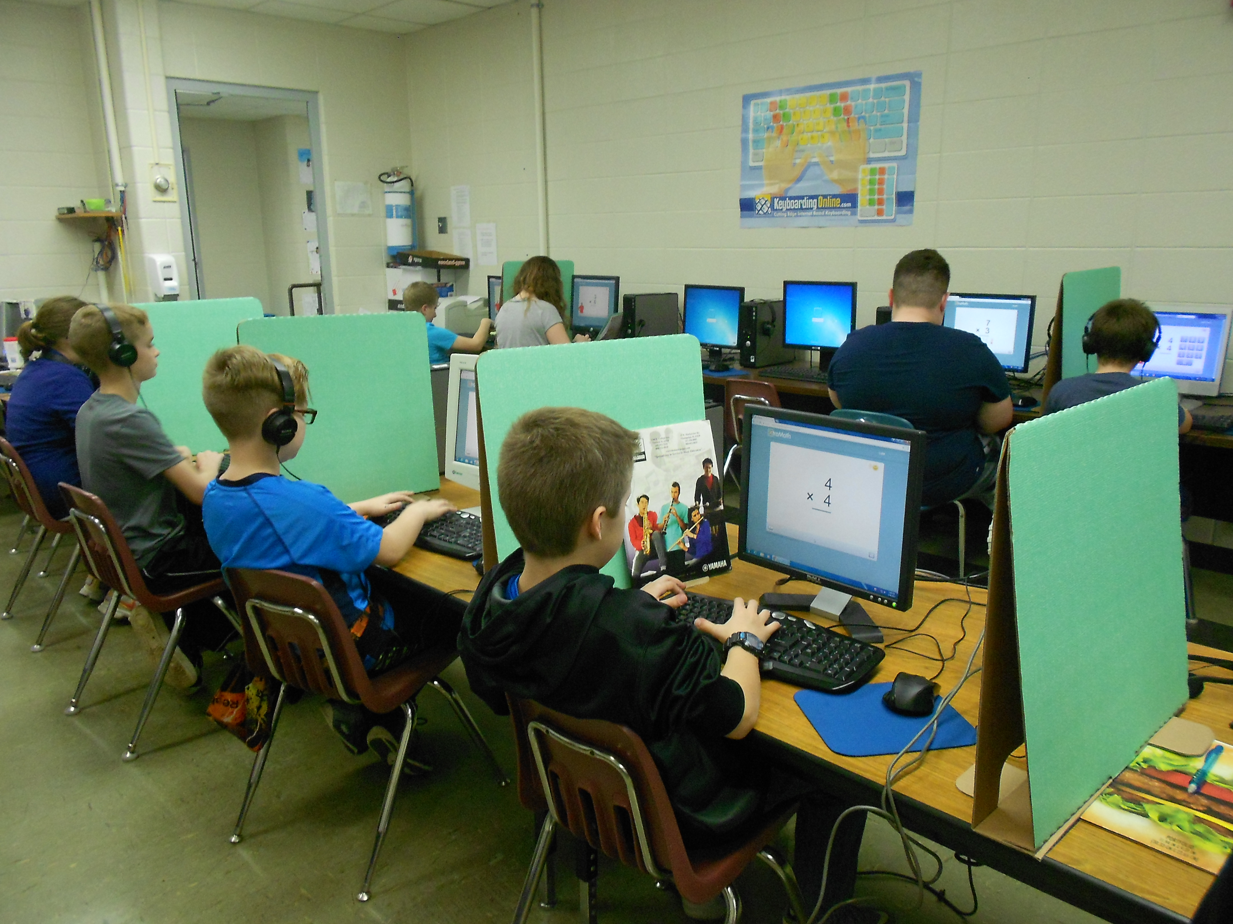5th Grade Uses Privacy Shields During Testing Cissna Park